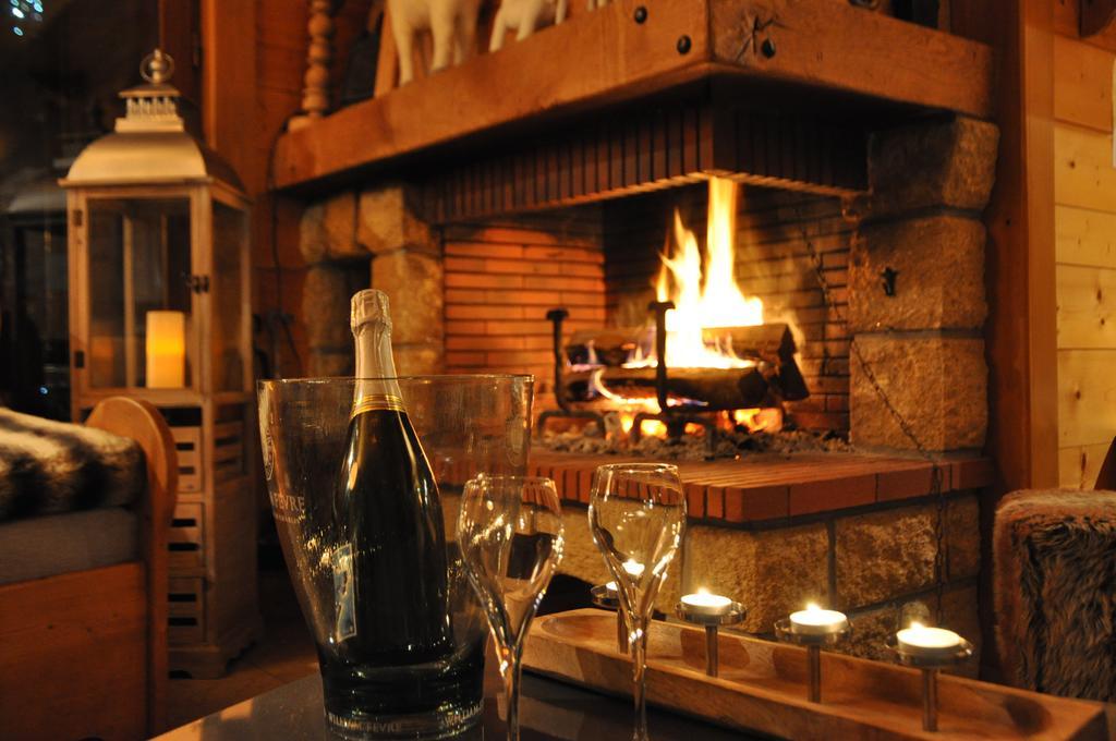bouteille de champagne au coin de la cheminée
