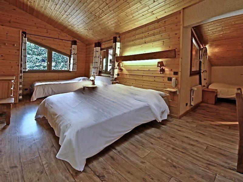 chambre familiale avec plusieurs couchages