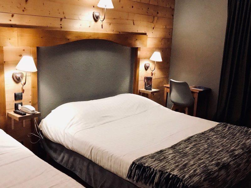 Chambre pour 4 personnes avec deux grands lits doubles