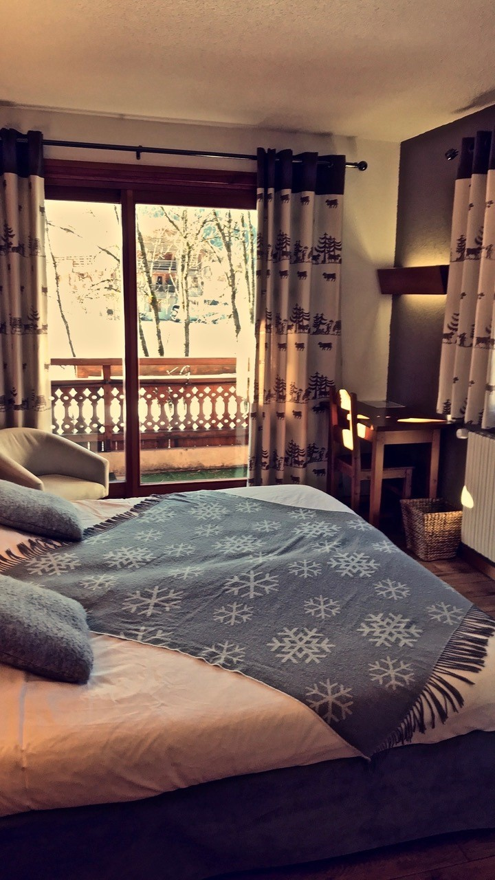 Chambre double avec balcon donnant sur la chaîne des Aravis